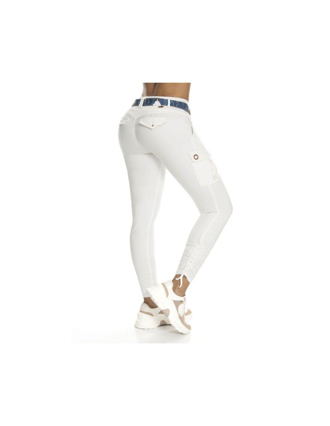 Pantalón Colombiano levanta cola